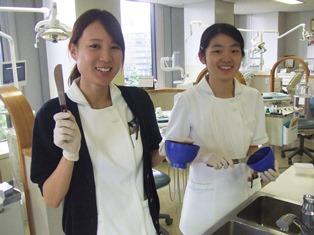 歯科衛生士、歯科衛生士求人、新人、歯科助手、診療室、先輩、笑顔、新人教育